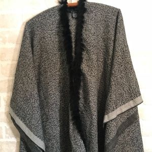 Cejon Black/Gray Cape/Poncho  With Fur Trim